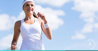 Mito ou Verdade: Correr causa flacidez na pele do rosto? (foto:mulher correndo)