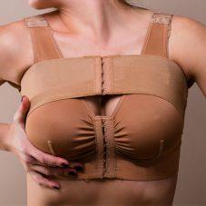 Por que devo utilizar sutiã pós-cirúrgico depois de operar os seios?