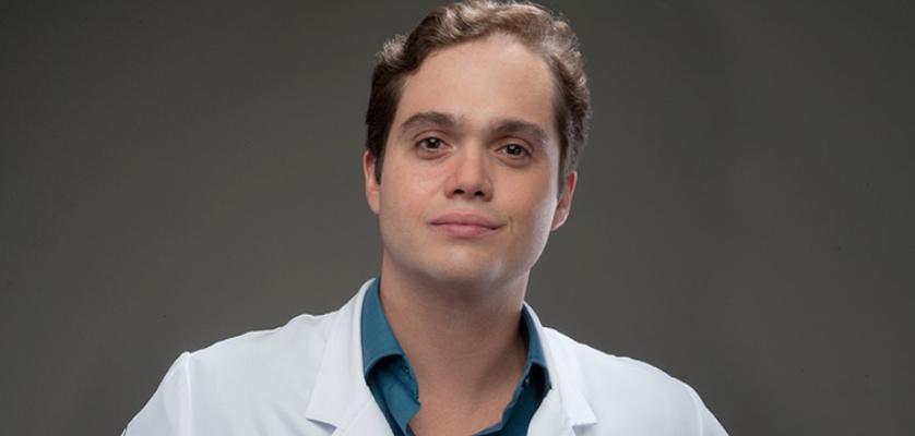 Dr. Fernando Rodrigues - Médico Cirurgião Plástico em Belo Horizonte/MG